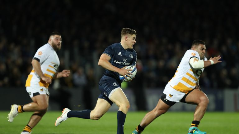 Garry Ringrose showing the type of fluid running that he's famed for
