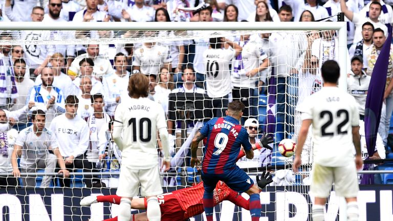 Roger scores Levante's second goal from the penalty spot