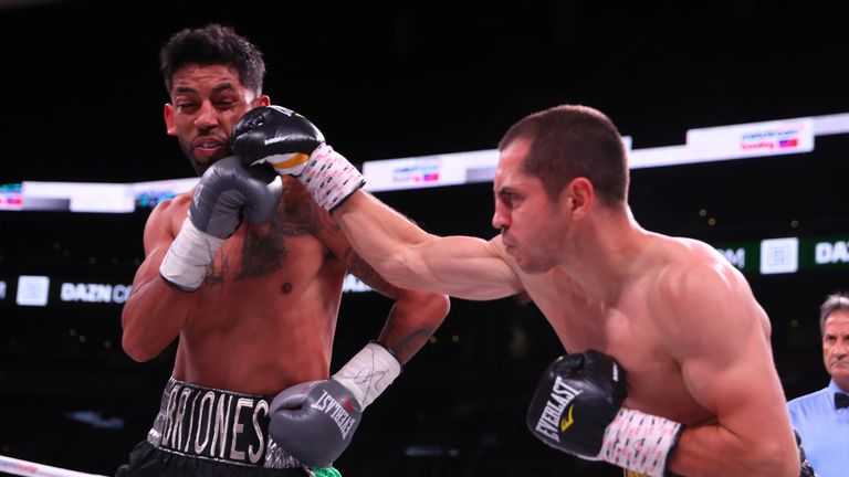 Quigg relentlessly went toe-to-toe with Briones