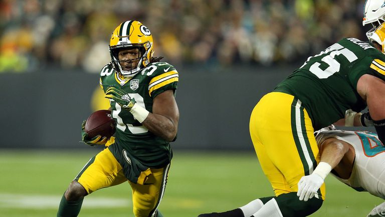 The Packers need to get running back Aaron Jones more involved in the offense