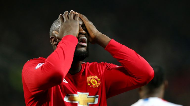 Romelu Lukaku isolated again as Manchester United fail to break down Crystal Palace | Football News |