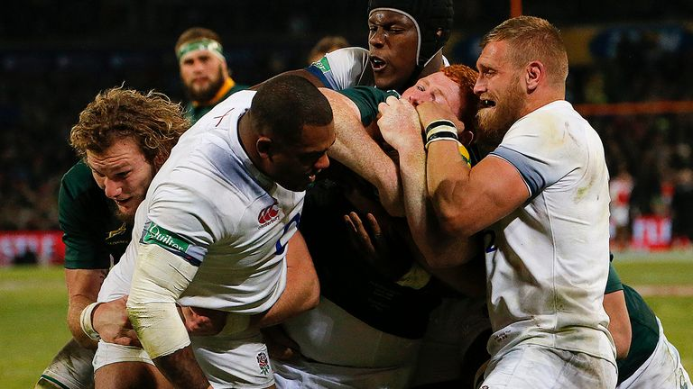 Contentious Farrell tackle helps England grind out win over Boks