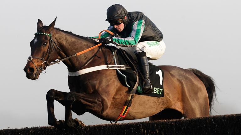 Altior on his way to a 16th straight win