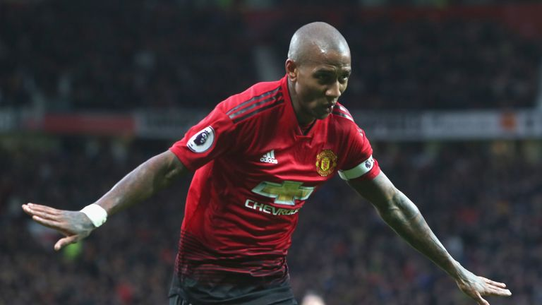 Ashley Young's new Manchester United deal takes him up to June 2020
