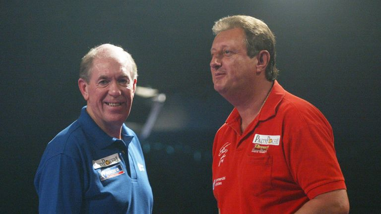 Bristow and Lowe enjoyed an iconic darting rivalry