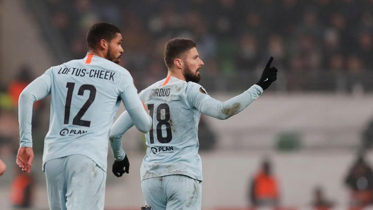 Olivier Giroud of Chelsea FC celebrates his goal next to Ruben Loftus-Cheek of Chelsea FC during the UEFA Europa League Group Stage Match between Vidi FC and Chelsea FC at Ferencvaros Stadium on December 13, 2018 in Budapest, Hungary. (Photo by Laszlo Szirtesi/Getty Images)