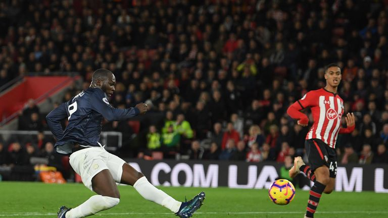 Romelu Lukaku scores for Manchester United