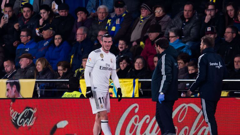 Bale struggles with an injury against Villarreal