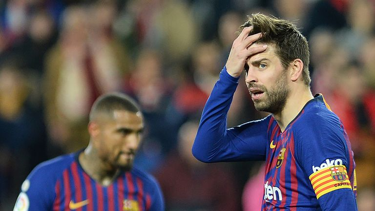 Gerard Pique show his frustration