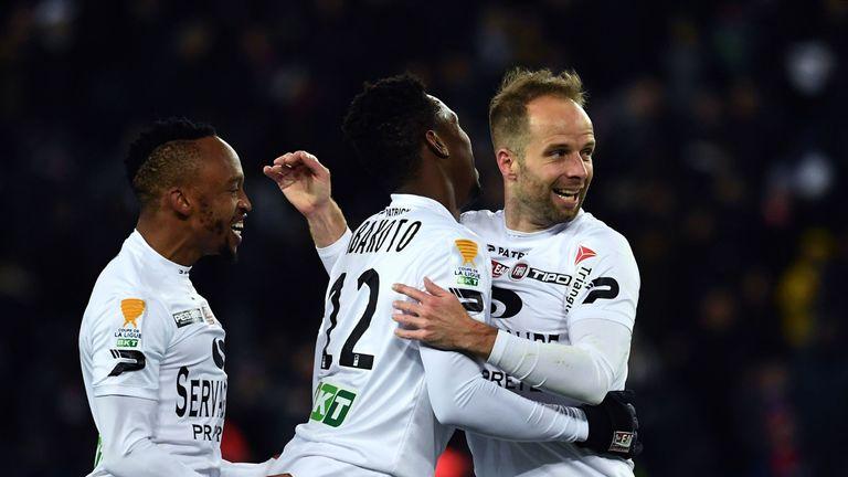 Yeni Ngbakoto (L) scored Guingamp's equaliser