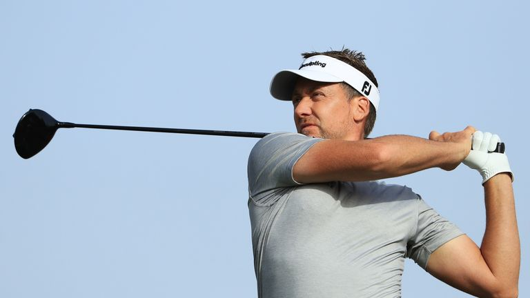 Lowry recovers from early wobble to retain Abu Dhabi lead