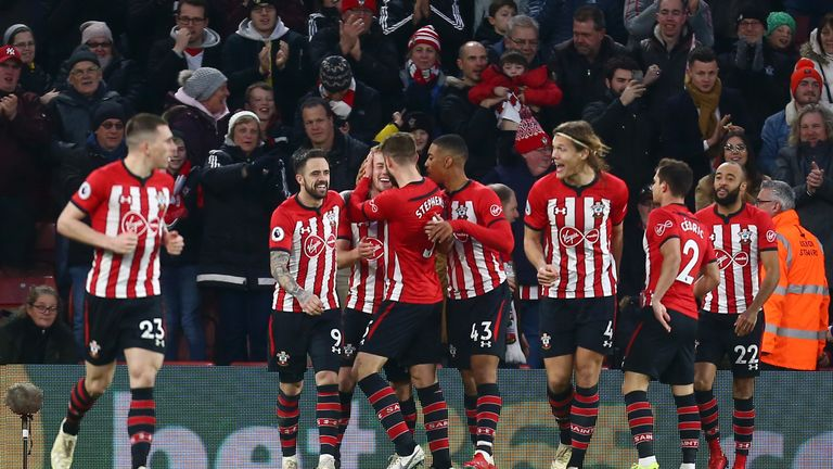 James Ward-Prowse's strike and a Lucas Digne own goal helped Southampton to a 2-1 victory over Everton