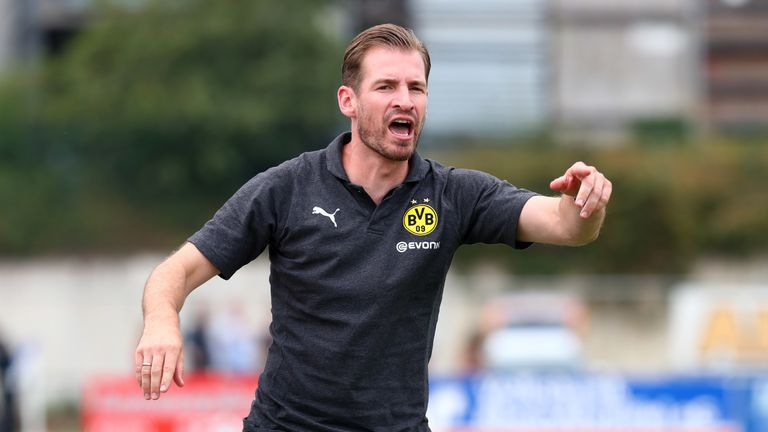 Jan Siewert follows in David Wagner and Daniel Farke's footsteps in leaving BVB II to take up a coaching role in England