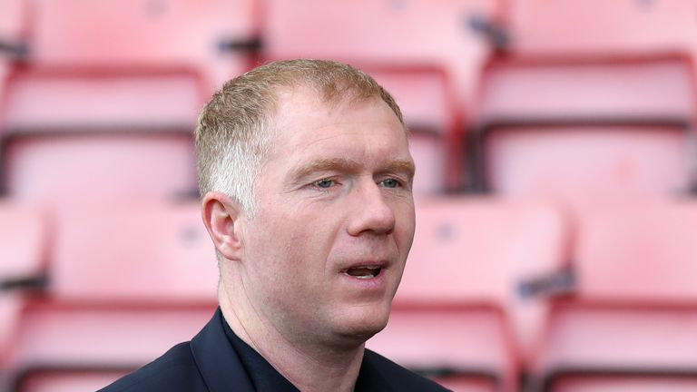 Manchester United great Scholes takes charge at Oldham