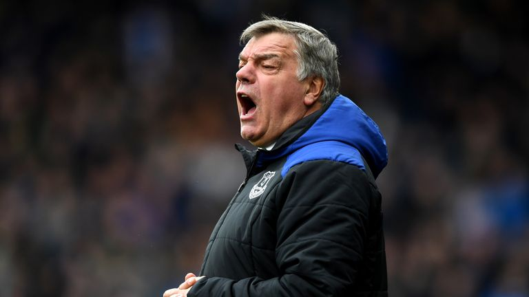Sam Allardyce, Manager of Everton gives his team instructions during the Premier League match between Huddersfield Town and Everton at John Smith's Stadium on April 28, 2018 in Huddersfield, England.