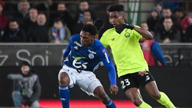 Lille's Thiago Mendes vies with Strasbourg's Lebo Mothiba during the French Ligue 1 clash