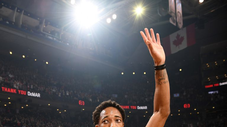 Kawhi spoils DeRozan's Raptors return