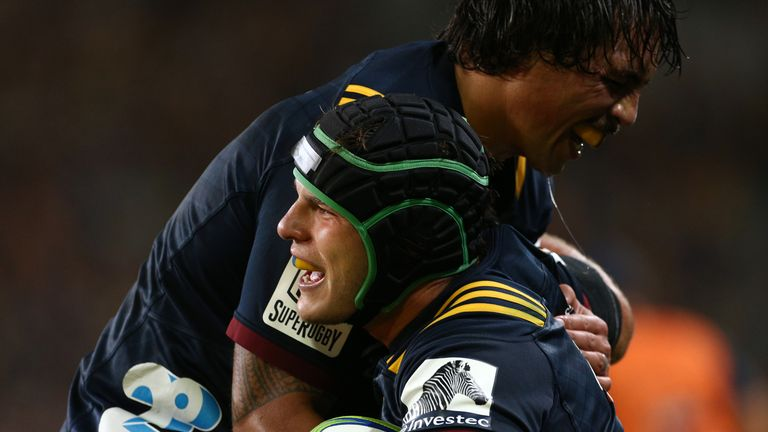 Highlanders leave it late to beat Reds in Super Rugby