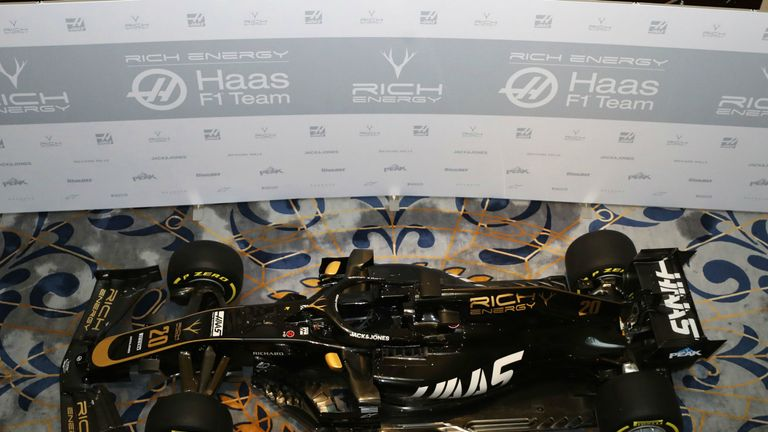 haas reveal striking new black and gold livery for f1 2019 car f1 news. Black Bedroom Furniture Sets. Home Design Ideas