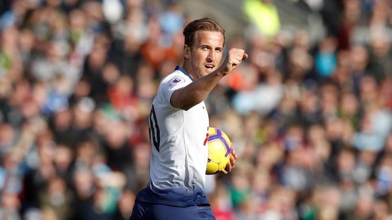 Kane celebrates his equaliser against Burnley at Turf Moor