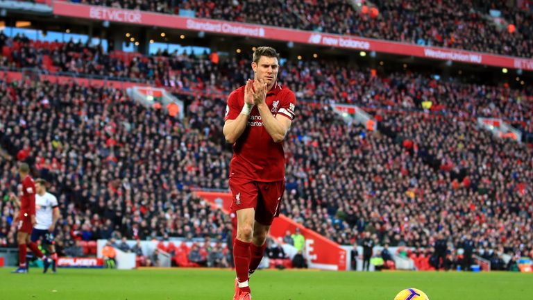 Bayern Munich's Neuer confident he will be fit for Liverpool clash