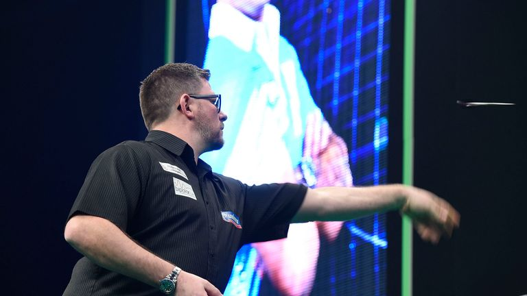 Wade and Gerwyn Price played out a thrilling opener
