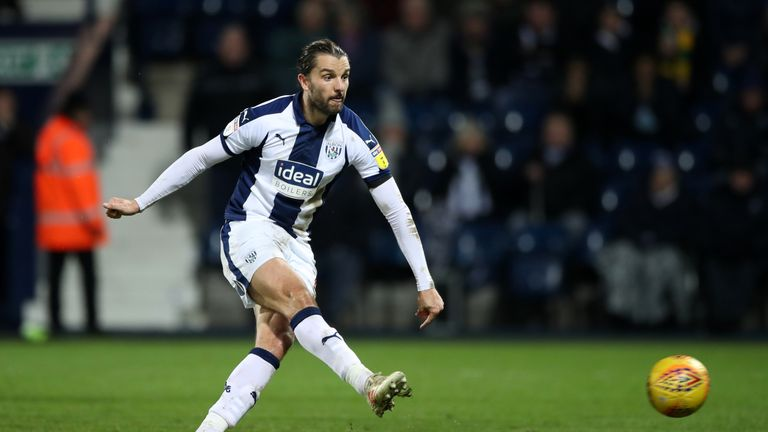West Bromwich Albion's Jay Rodriguez scores his side's second goal of the game from the penalty spot