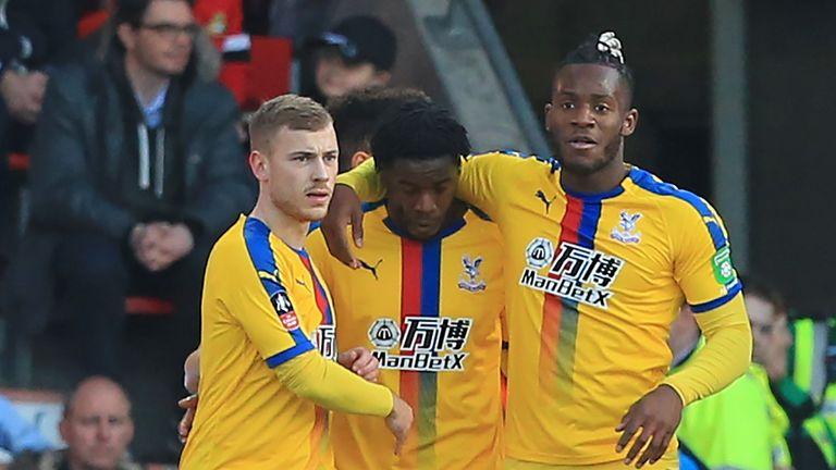 Jeffrey Schlupp (middle) put Palace ahead