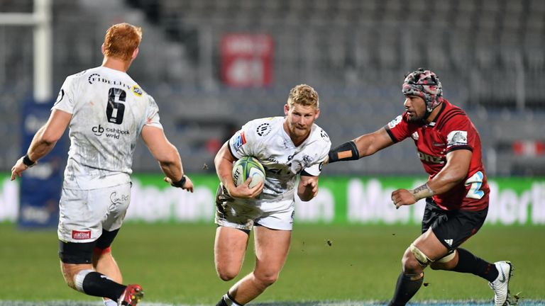 The Sharks' Robert du Preez makes a break during his side's play-off clash with the Crusaders in 2018