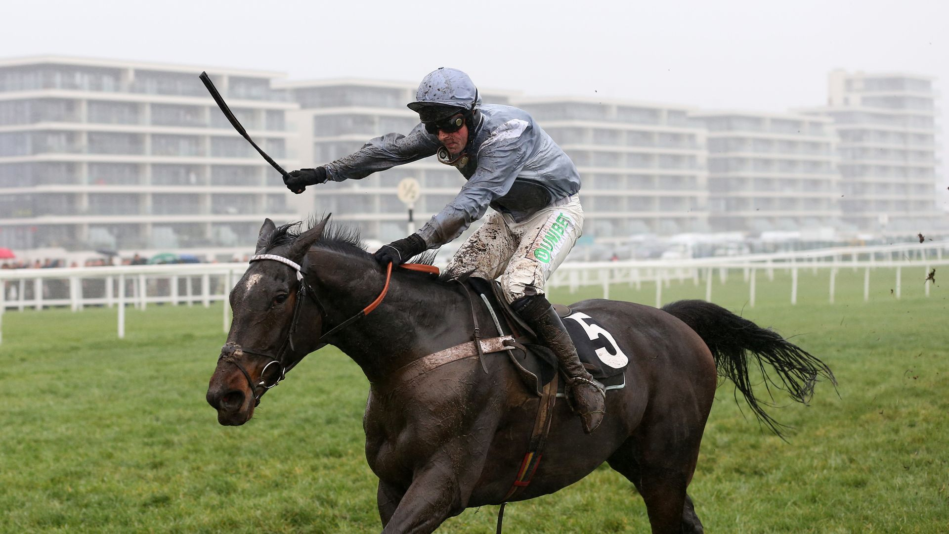 Many Clouds aim for Santini