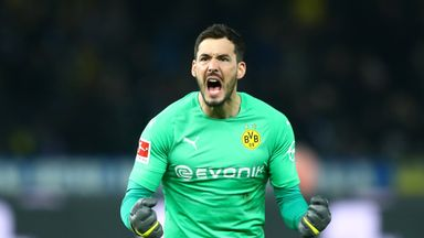 Borussia Dortmund stay three points clear of Bayern Munich after their dramatic victory