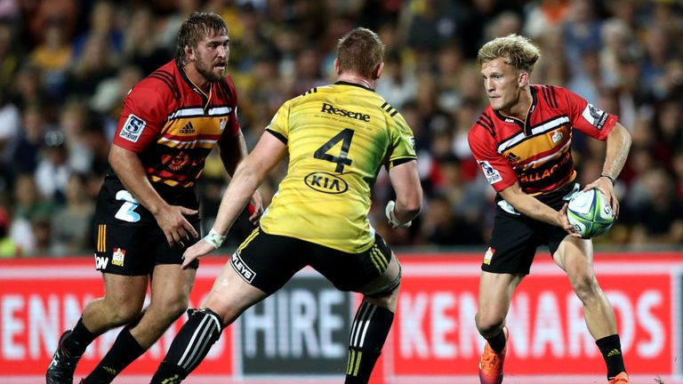 Damian McKenzie attacking for the Chiefs