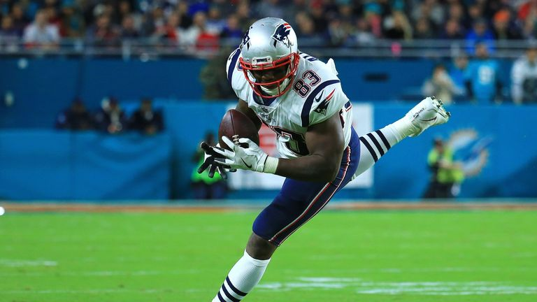 Miami Dolphins sign Dwayne Allen to add to tight end depth