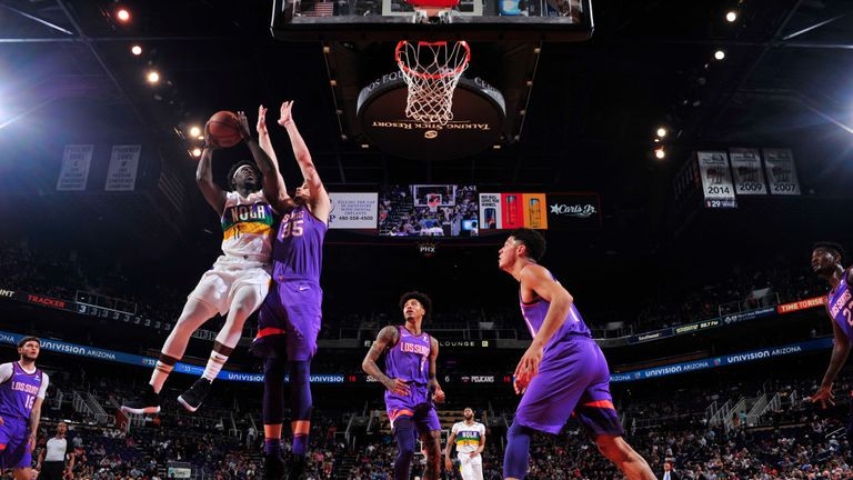 Jrue Holiday of the New Orleans Pelicans shoots the ball against the Phoenix Suns