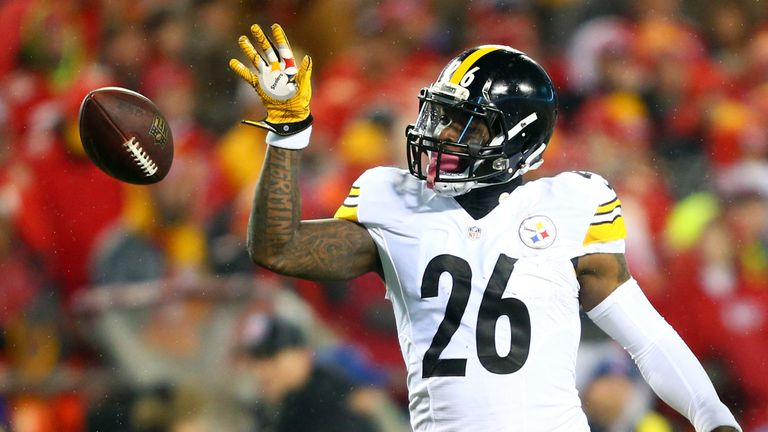 Le'Veon Bell will sign a four-year contract with the Jets