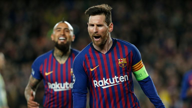 ce9e7f9403f Lionel Messi heaped praise on Cristiano Ronaldo after another stand-out  display