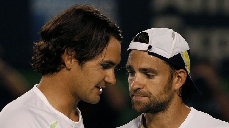 Roger Federer (L) and Germany's Nicolas Kiefer met in the Australian Open semi-finals in 2006