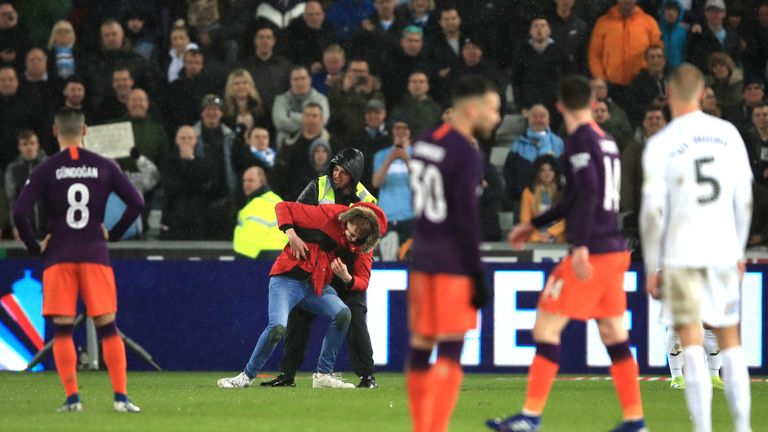 Manchester City beat Swansea City 3-2 in their FA Cup quarter-final on Saturday