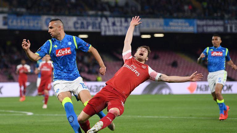 Ramsey clashes with Nikola Maksimovic of Napoli