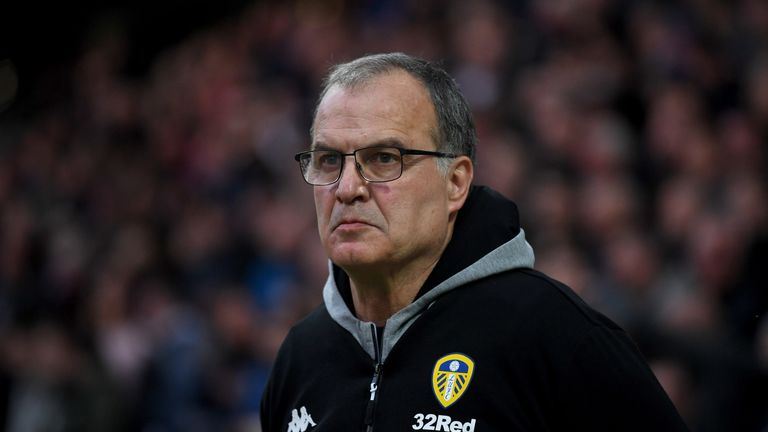 Marcelo Bielsa wants calm heads as Leeds chase promotion back to the Premier League