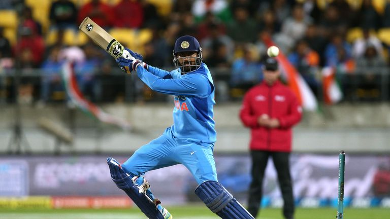 India name Dinesh Karthik in World Cup squad ahead of Rishabh Pant