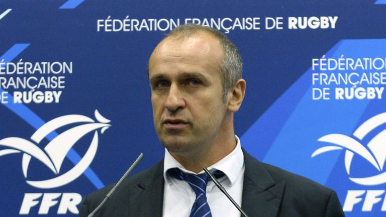 The FFR asked all of France's clubs whether they would support the appointment of a foreign coach for the first time in the team's history