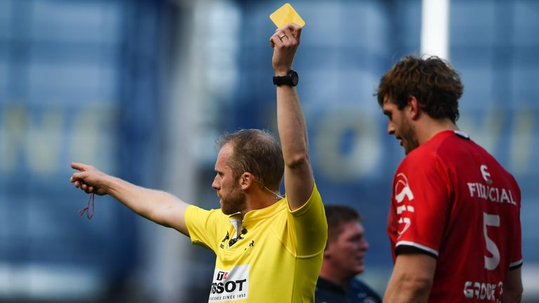 Richie Gray is shown a yellow card by referee Wayne Barnes