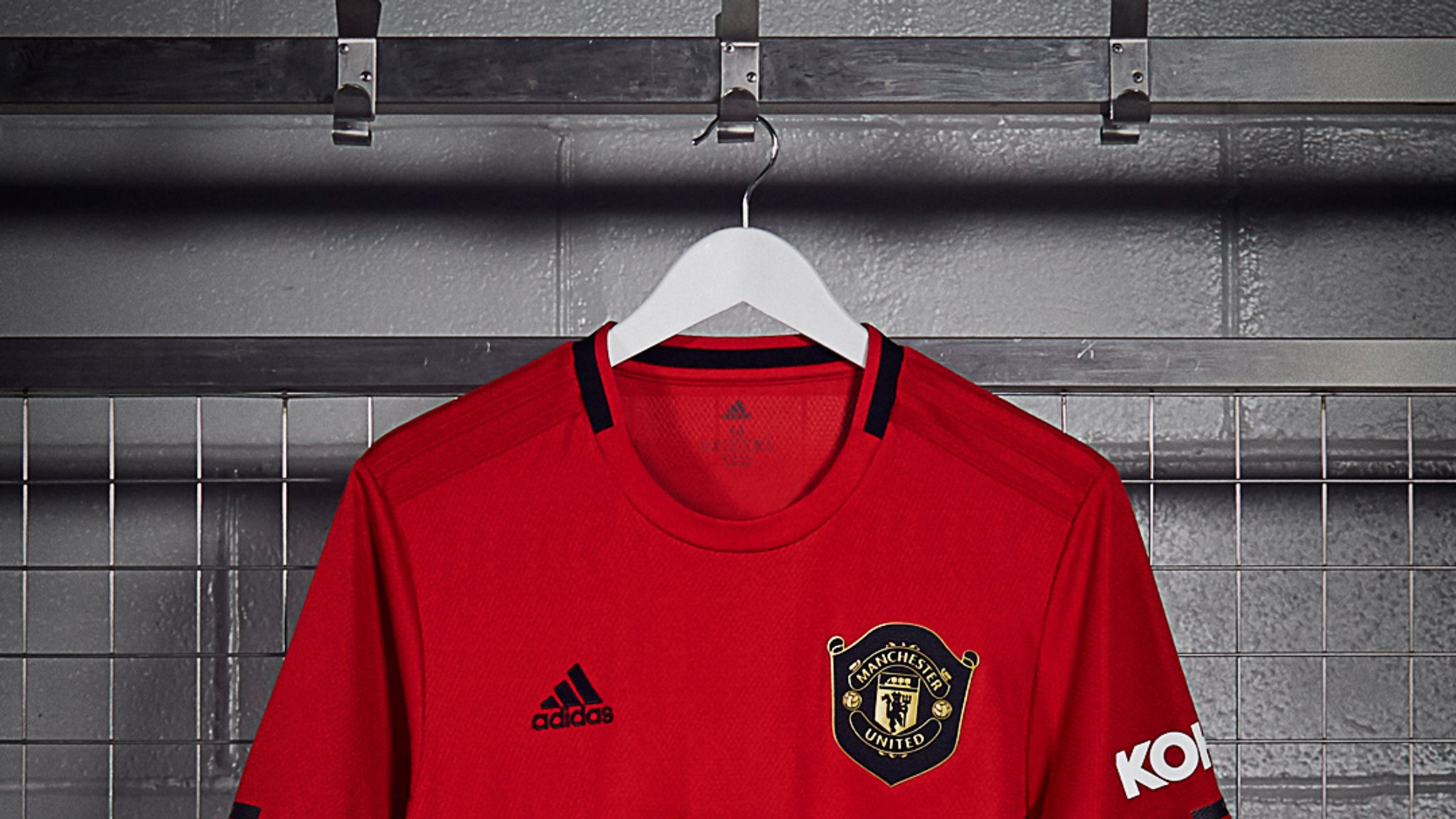 meet 52a25 ce031 Manchester United launch new Treble-inspired home kit ...