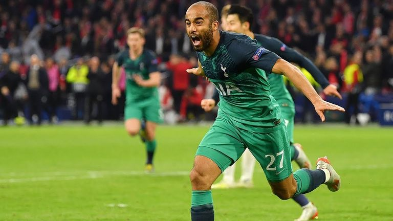 Lucas Moura celebrates scoring Tottenham's late winner