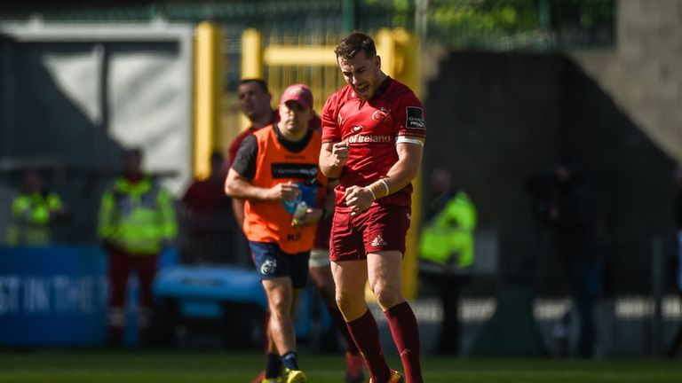 JJ Hanrahan struck a penalty from 50 metres out, with three minutes left to ensure Munster overcame a superb Benetton
