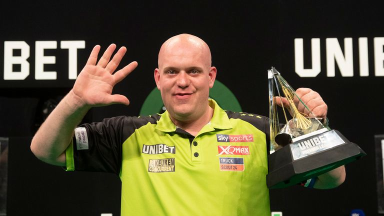 Michael van Gerwen needs to find his consistency, but Peter Wright plays better than anyone, says Wayne Mardle |  Darts News
