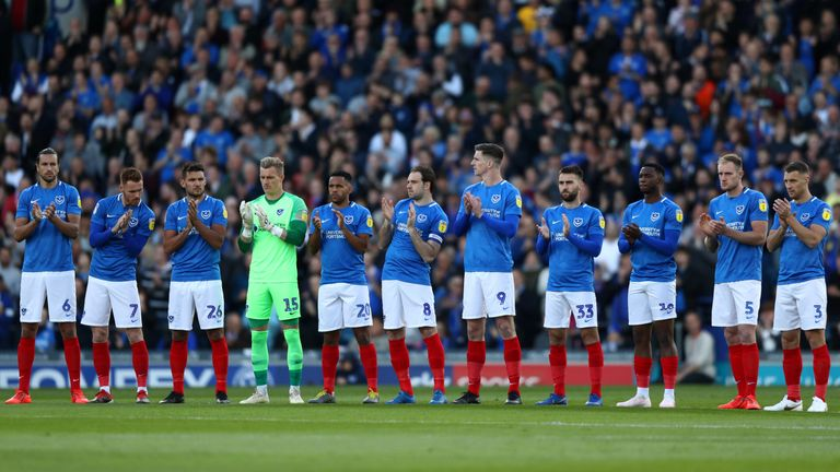 Portsmouth and Sunderland paid tribute to former Pompey player Jon Gittens, who died earlier this week aged 55