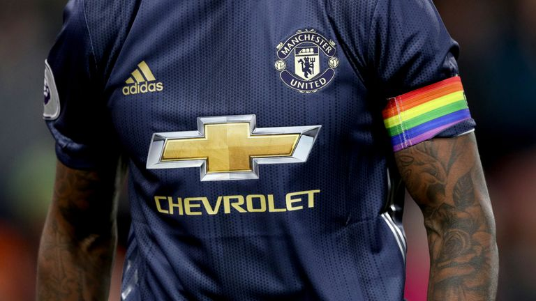Team captains, coaches, and referees will wear special rainbow armbands at Ligue 1 and Ligue 2 matches this weekend