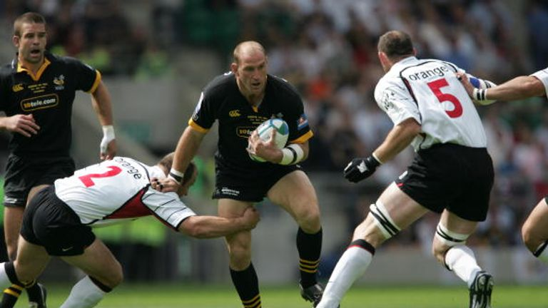 Wasps captain Lawrence Dallaglio carries the ball during the win over Toulouse at Twickenham